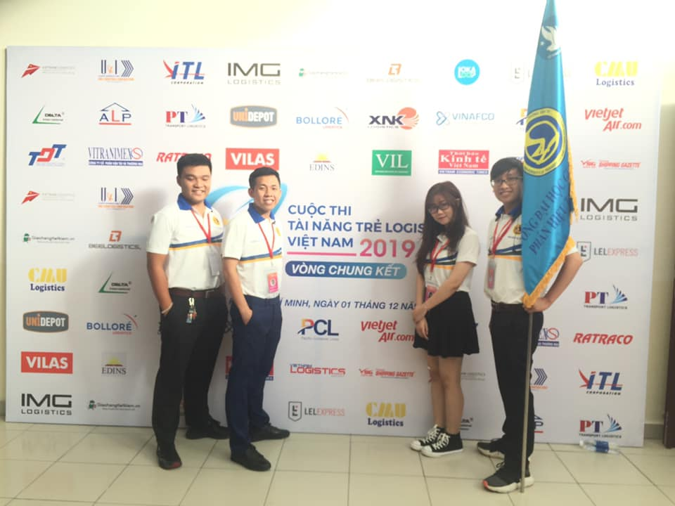 The Logistics team of University of Transport and Communication won the second prize in the 'Vietnam Young Logistics Talents'