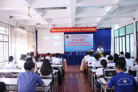 ThS. Đặng Văn Ơn công bố Quyết định thành lập bộ phận hỗ trợ sinh viên và tổ truyền thông Phân hiệu